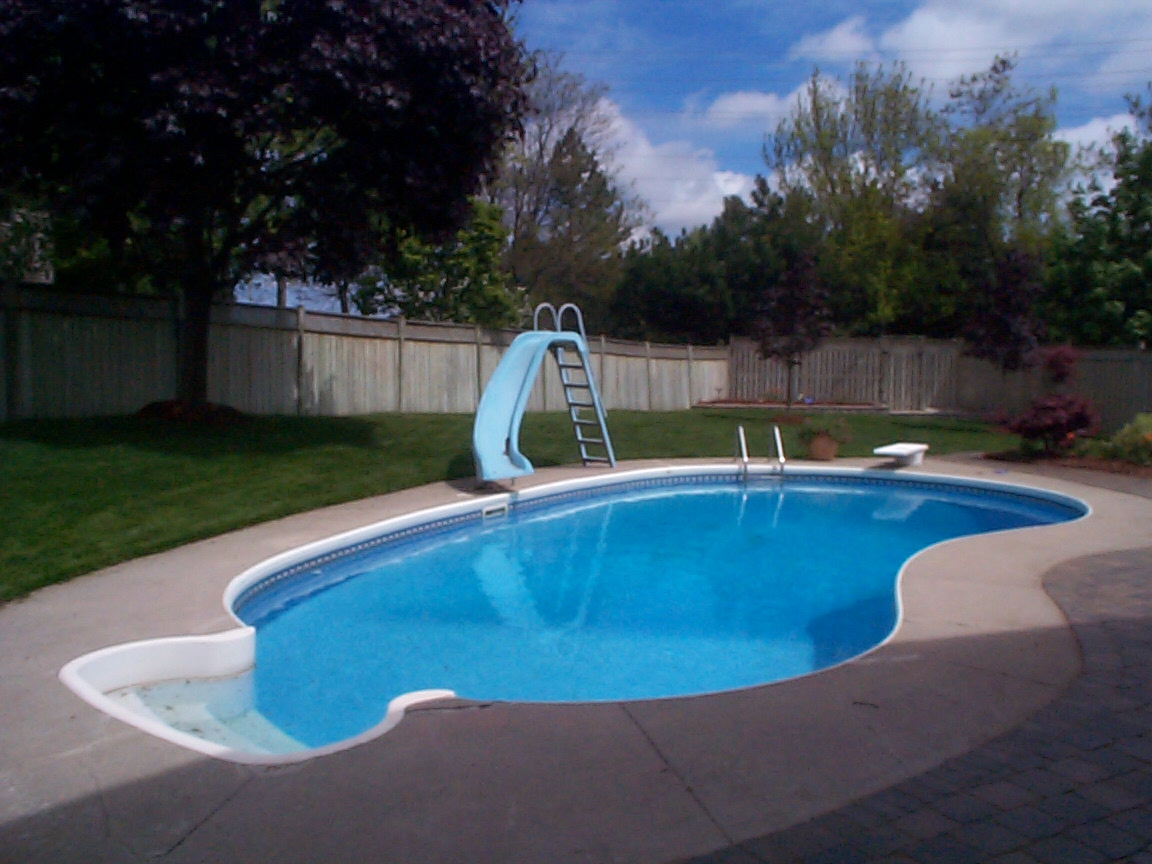 House for sale 602 moorelands cres milton for Heated pools for sale