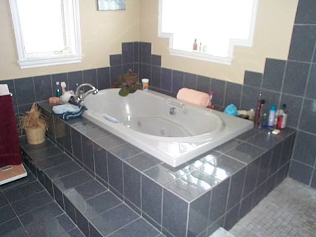 6 pcs ensuite Bathroom