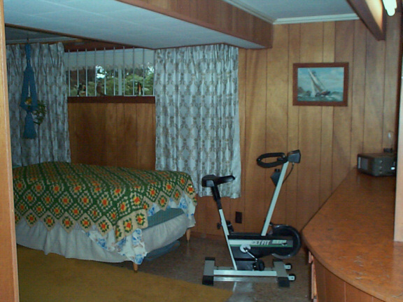 4th, bedroom